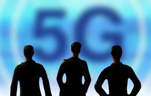 Why is it a trend that the global traffic will double eight times in the 5G era?