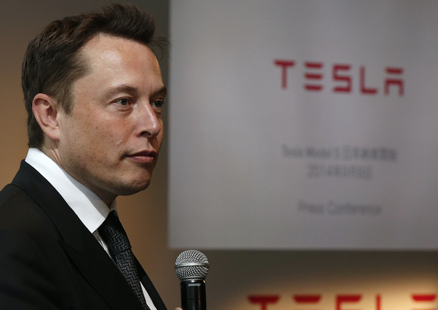 Musk AI nine forecast in 2017: it is the biggest threat to human civilization
